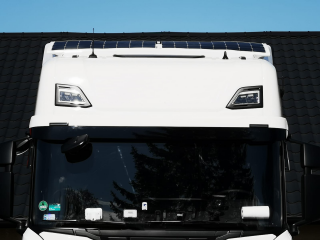 Set of roof spoiler and solar panels for SCANIA NEXT GEN cabin R 2 x 110W / 24V incl. controller with bluetooth connection